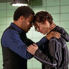 Cinna e Katniss em Jogos Vorazes