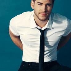 Liam Hemsworth em ensaio fotográfico para a Details