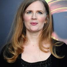 A autora Suzanne Collins na premiere mundial de Jogos Vorazes, em Los Angeles
