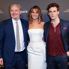 Francis Lawrence, Jennifer Lawrence e Sam Claflin em Cannes