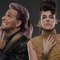 Caesar Flickerman e Johanna Mason
