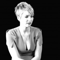 [FOTOS E VÍDEO] Jennifer Lawrence na edição de fevereiro da revista W