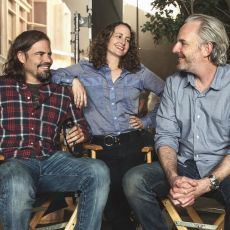 Peter Craig, Nina Jacobson e Francis Lawrence nos sets de A Esperança: Parte 1