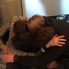 Jennifer Lawrence, Josh Hutcherson, Liam Hemsworth e Woody Harrelson no último dia das filmagens de A Esperança Parte 2