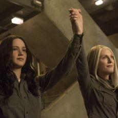 Katniss Everdeen e Alma Coin em A Esperança - Parte 1