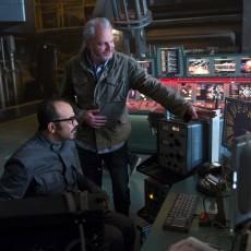 Diretor Francis Lawrence e Jeffrey Wright nos bastidores de A Esperança: Parte 1