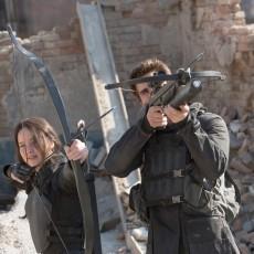 Katniss Everdeen e Gale Hawthorne em A Esperança: Parte 1